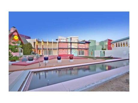 """Celebrity Real Estate: Penn Jillette """"The Slammer"""" House Is 2.1 Million"""