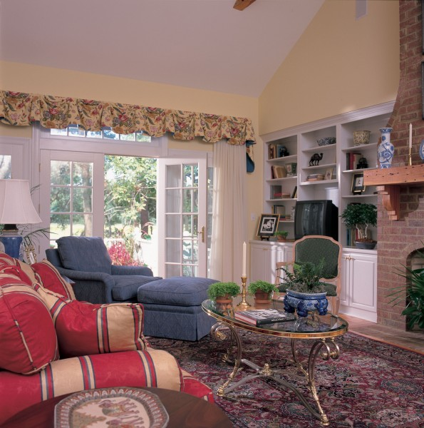 Cape Cod & New England Home Plans family room