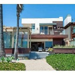 Celebrity Robert Redford Lived in this Malibu Beach House