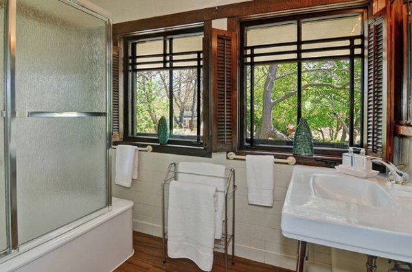 Bathroom The Hunt House for sale