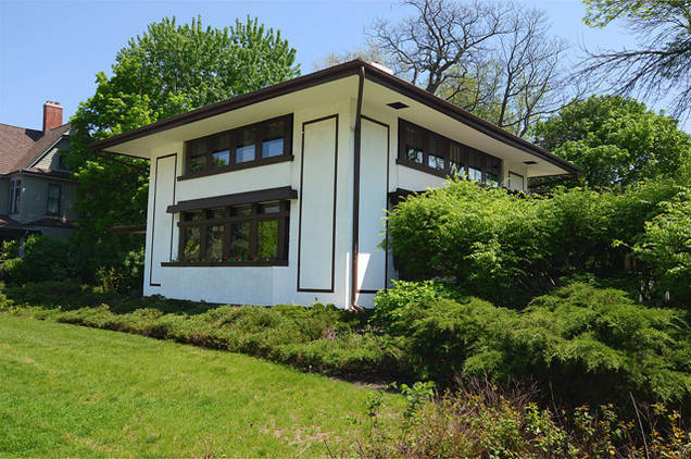 Hunt house frank lloyd wright house for sale for Wright homes for sale