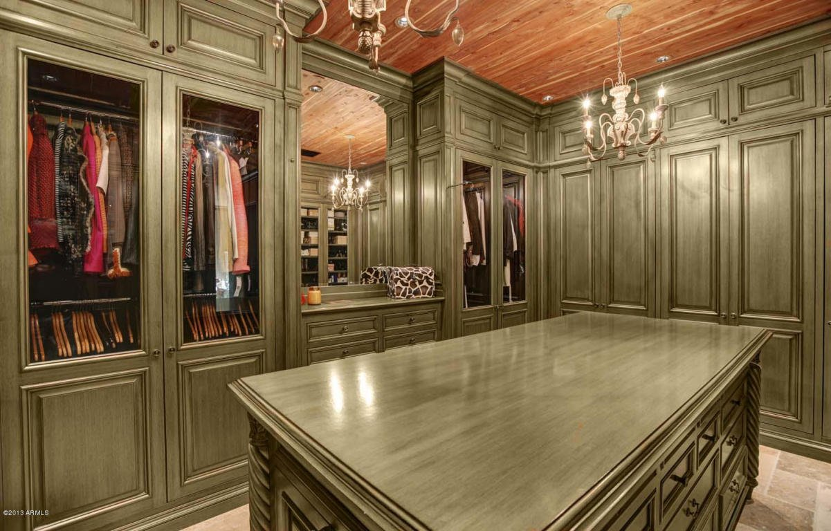 Million dollar home in scottsdale arizona is 24 500 000 for Master bedroom dressing room ideas