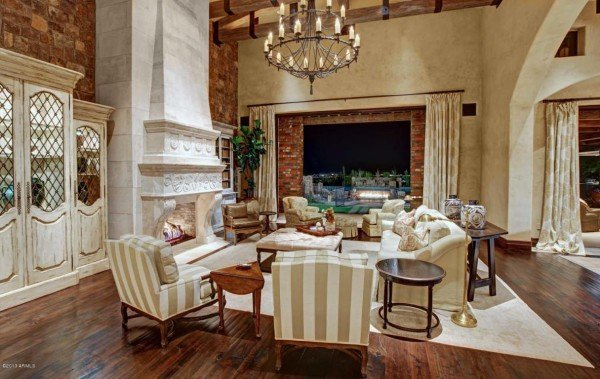 Elegant formal living room