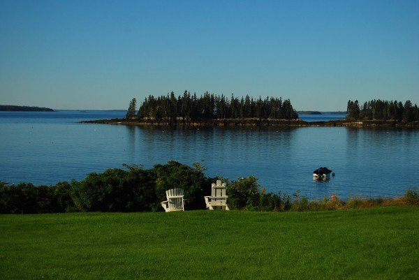 Phots scene at Periwinkle cottage Maine
