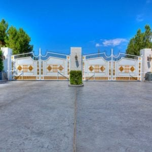 Golden gates Wayne Newton's Las Vegas home