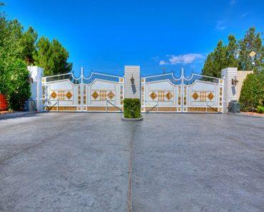 Golden gates Wayne Newton's Las Vegas home