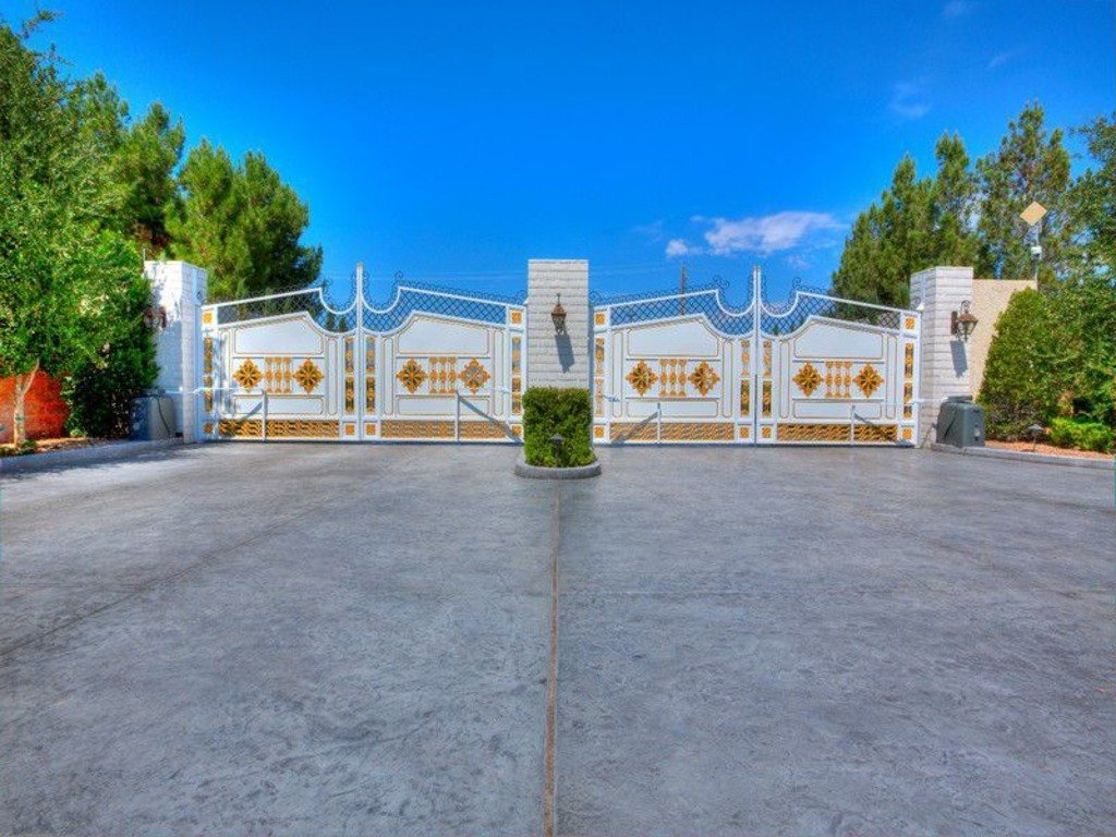 Wayne Newton's Las Vegas Compound Is 70 Million