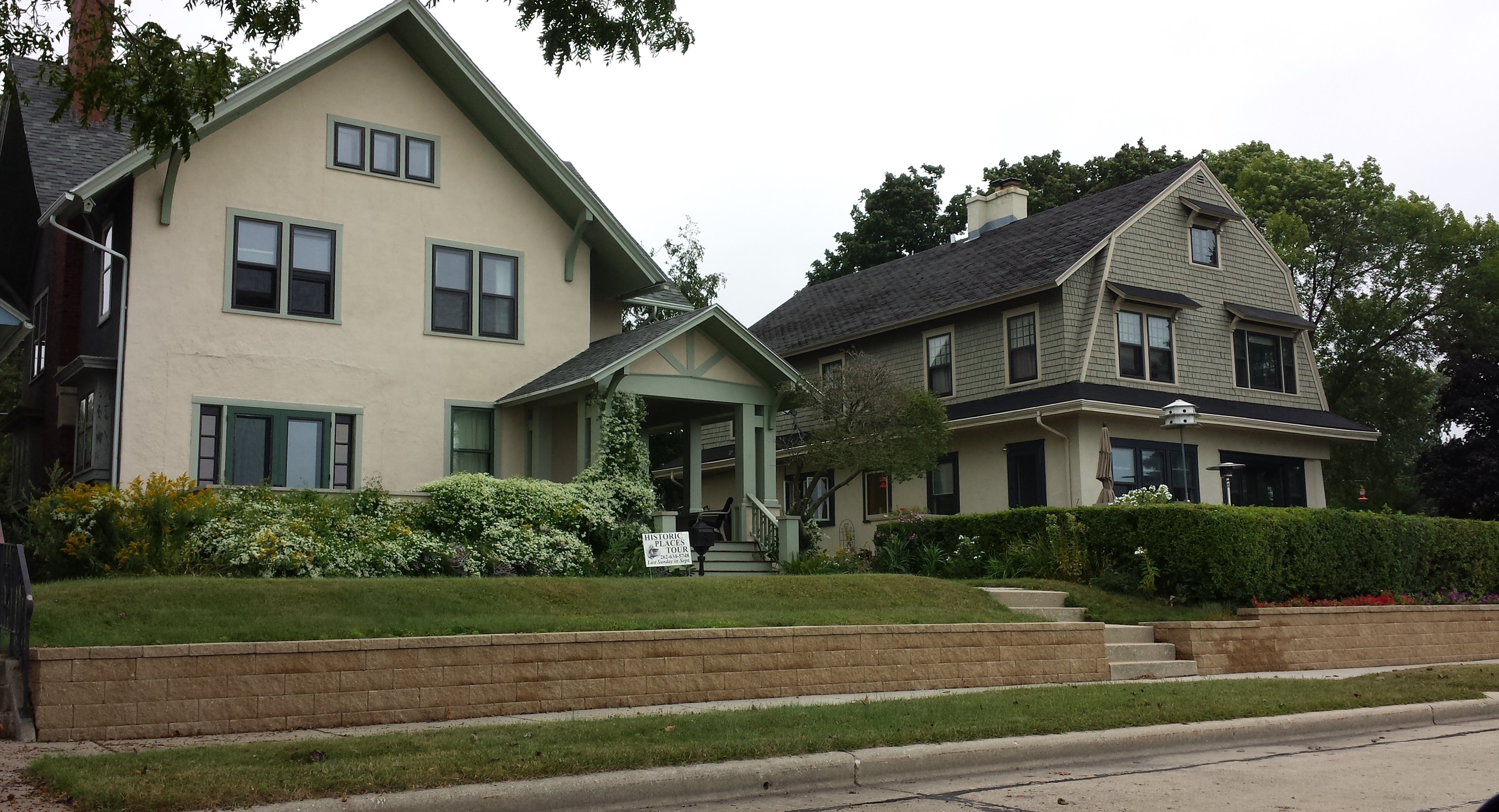 Parade Of Lakefront Homes In Wisconsin