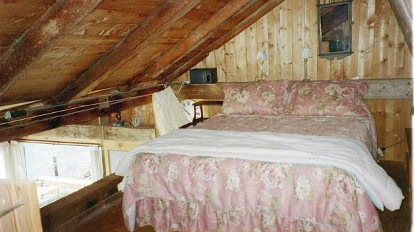Serendipity cottage loft sleeping area