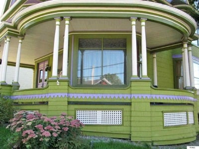 Victorian home painted lady