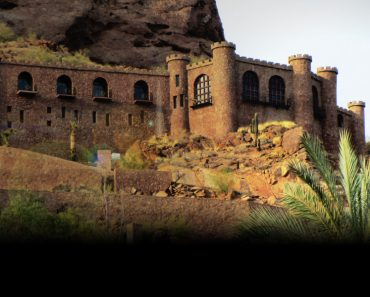 the-camelback-castle