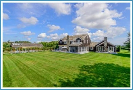 Real Housewives Of NYC LuAnn de Lesseps Farmhouse in the Hamptons