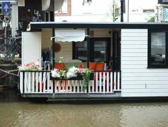 Jordaan Houseboat