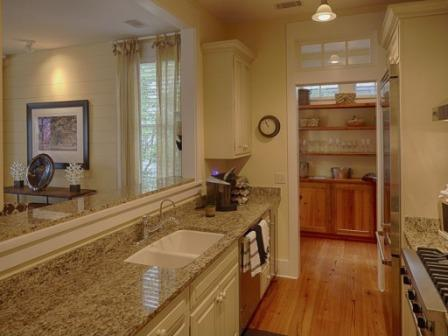 18 S Drayton St, Bluffton, SC kitchen opposite view