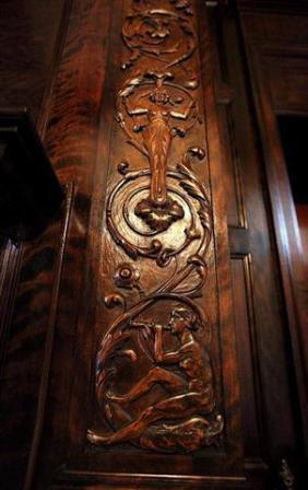 205 E 5th St Ottumwa IA carved wood interior