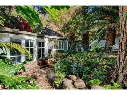 Rustic Cottage Built in 1925 is Part of Jean Harlow's Estate