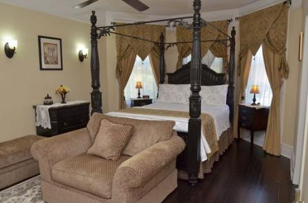 Bedroom 344 Freemont Woodstock, IL