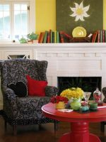 Colorful Cottage Decorating Ideas in red,yellow,blue,black & white