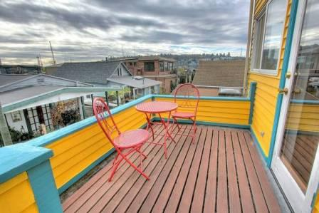 Floating home deck Seattle, WA