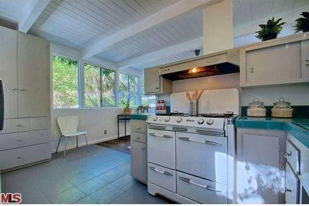 Jean Harlow Estate rustic cottage 50's kitchen