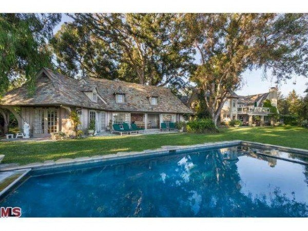 English Country House For Sale in Pacific Palisades California - Pool house 212 Vance Pacific Palisades