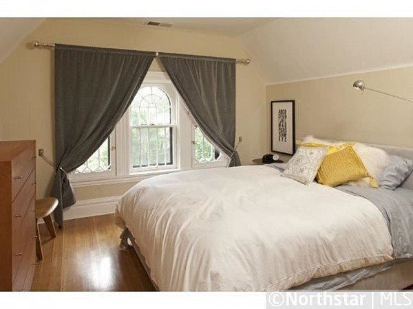 Bedroom 2014 Kenwood Parkway Minneapolis MN for sale