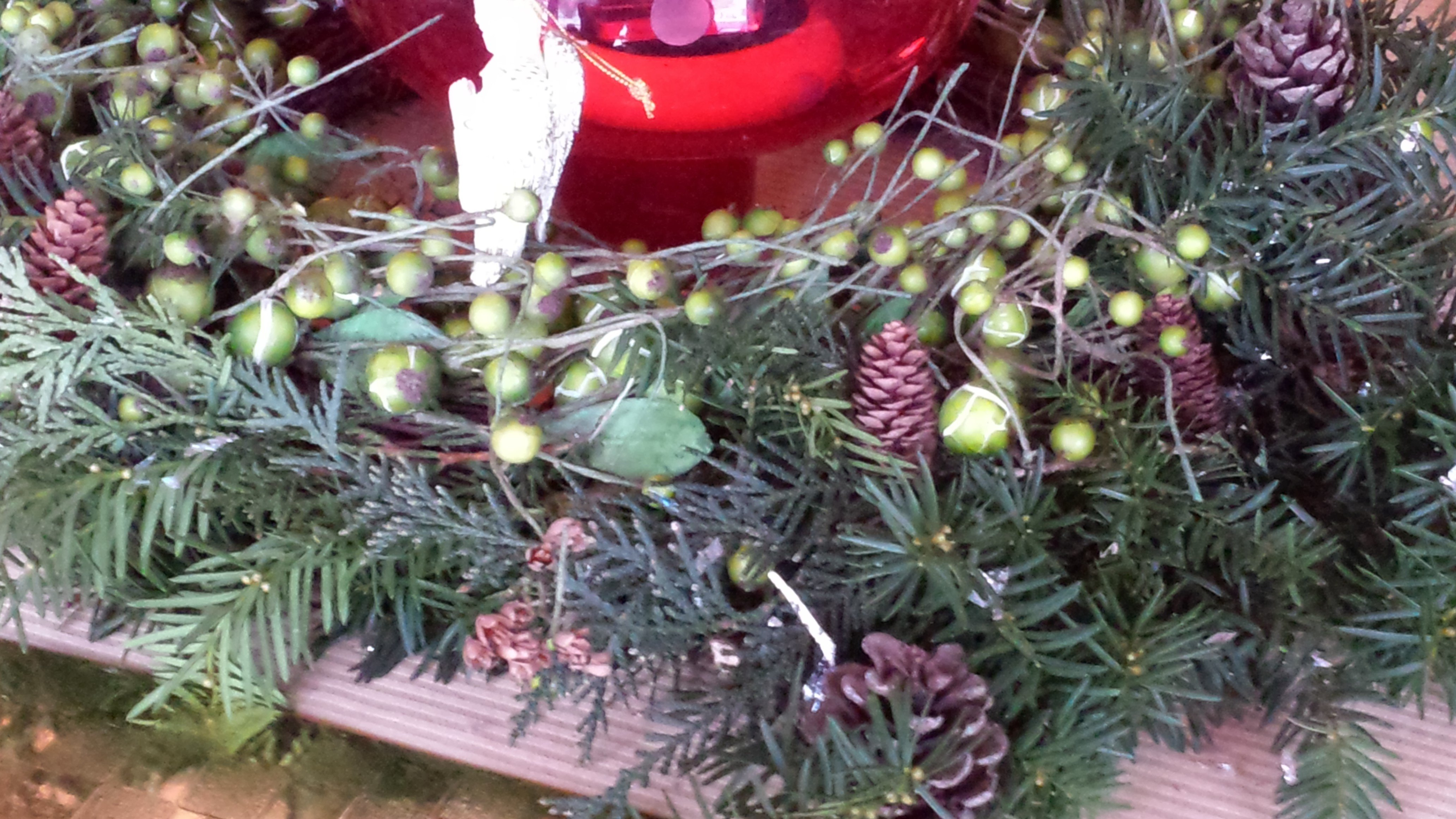 Christmas Wreath Centerpiece Angels And Pine Cones