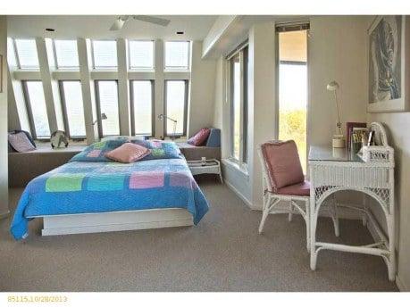 Starbird House bedroom