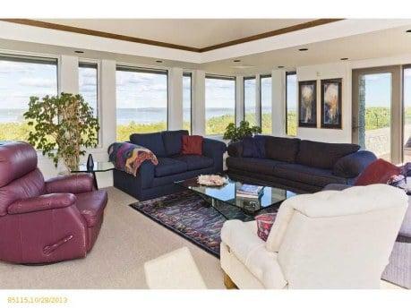 Starbird Living room