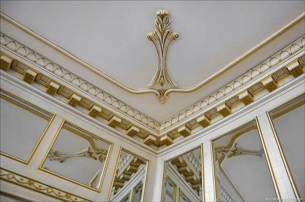 Schweppe Mansion architectural details - zillow