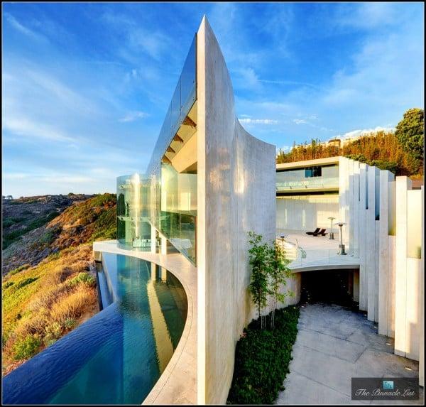 The Pinnacle List luxury homes - The Razor Residence