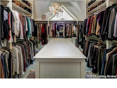 Walk-in Closet Victorian mansion for sale