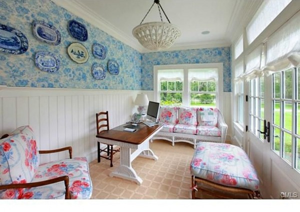 Cape Cod manse decorated by Diamond Baratta