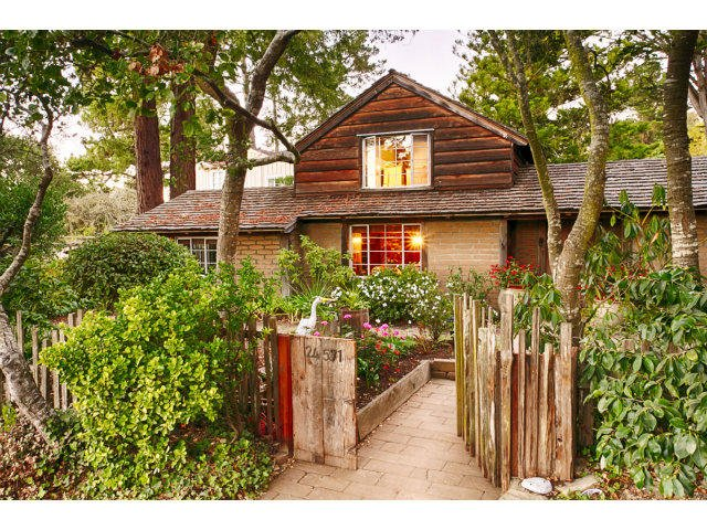 A Vintage Cottage In Carmel Full of History And Charm