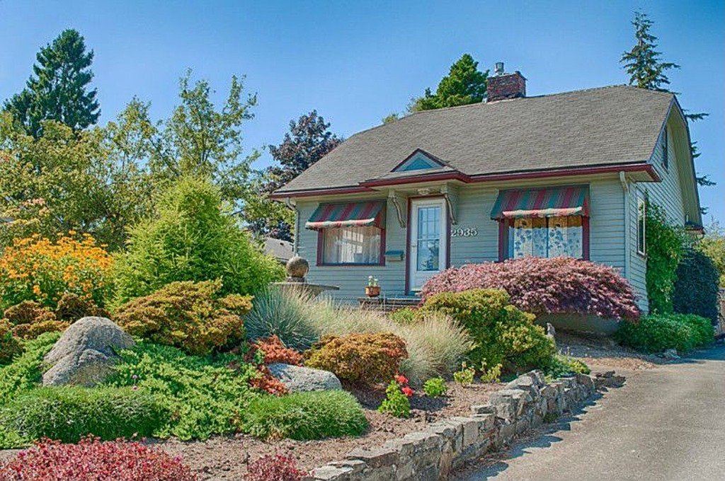 1927 Historic Home Has Delightful Gardens