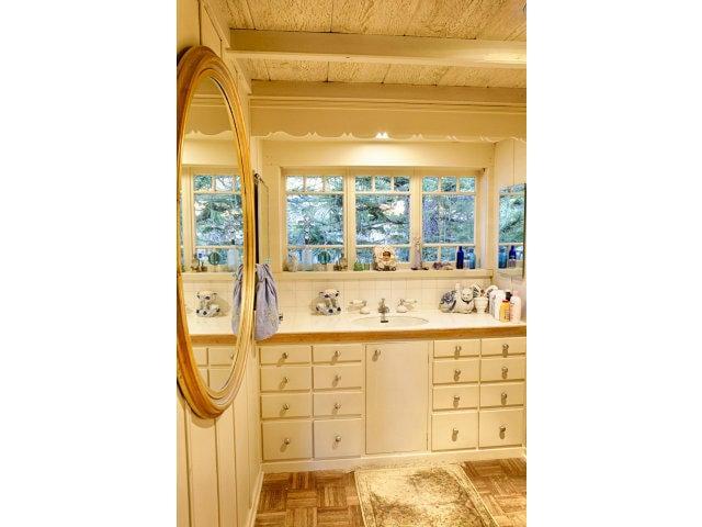 Bathroom 24571 Guadalupe St Carmel CA