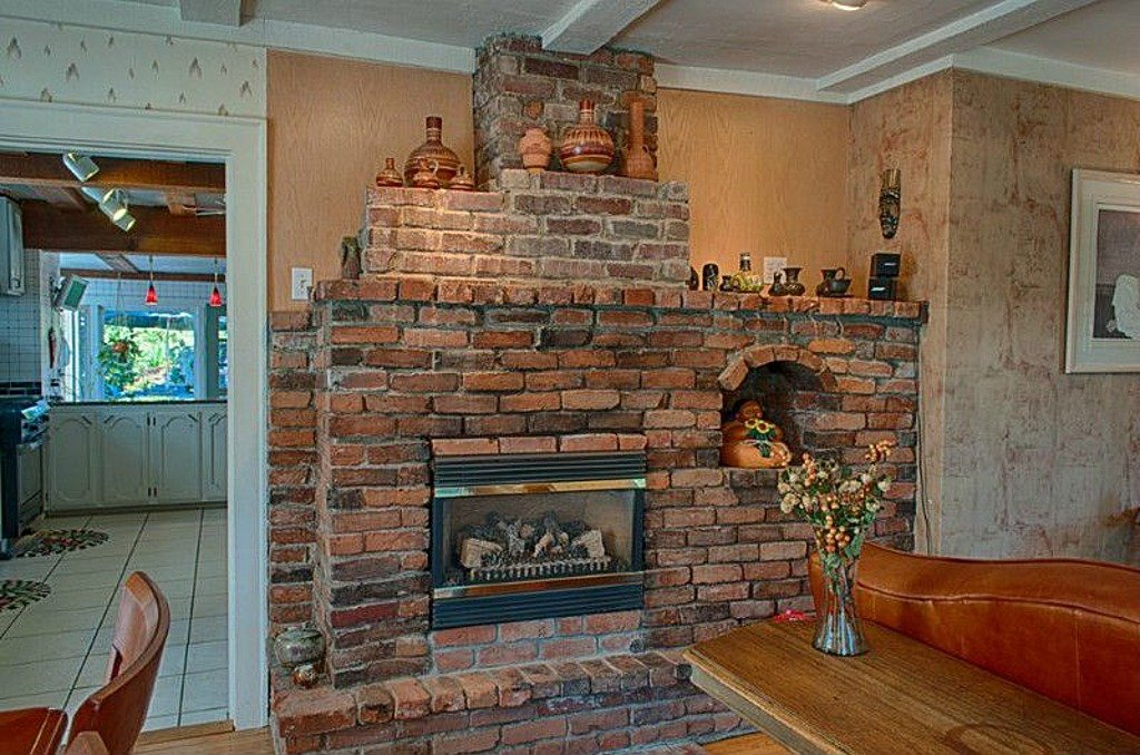 1927 Historic Home - old brick Fireplace