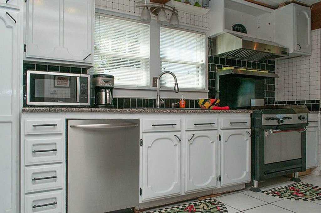 Subway Tile in kitchen Bellingham WA home for sale