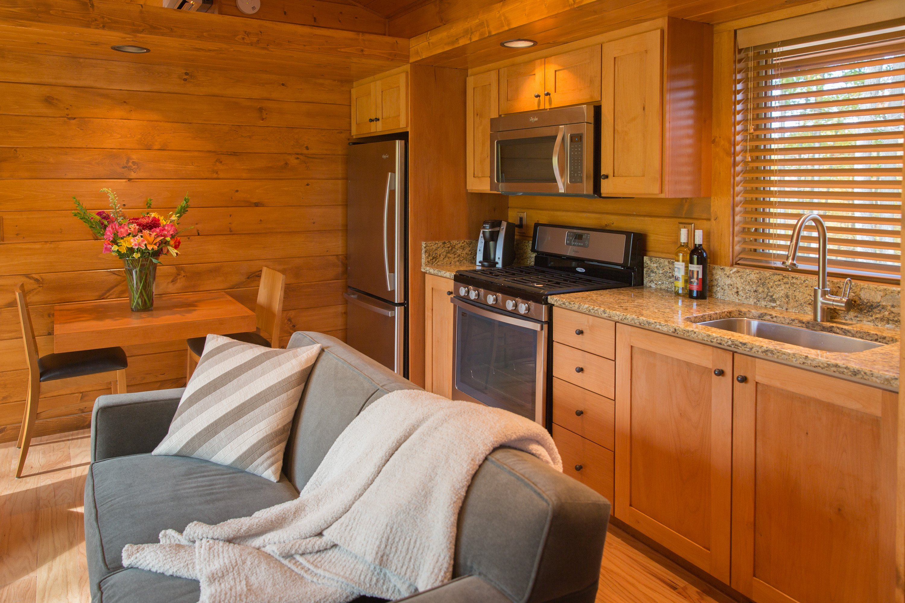 Tiny House ESCAPE In Canoe Bay Is A Cabin RV #B3500E 3000x2000