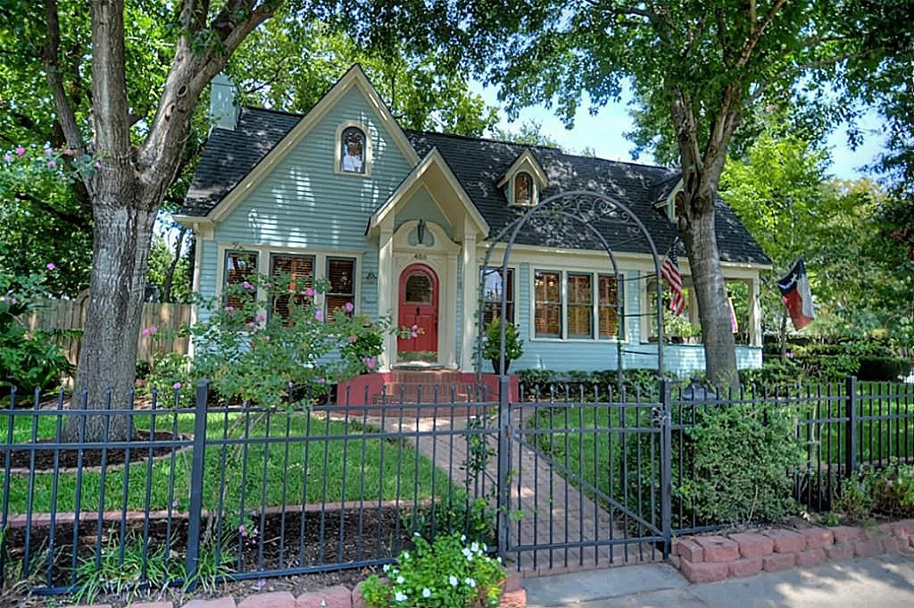 1920 Historic Jewel - Charming Turquoise Cottage in Houston Texas for sale