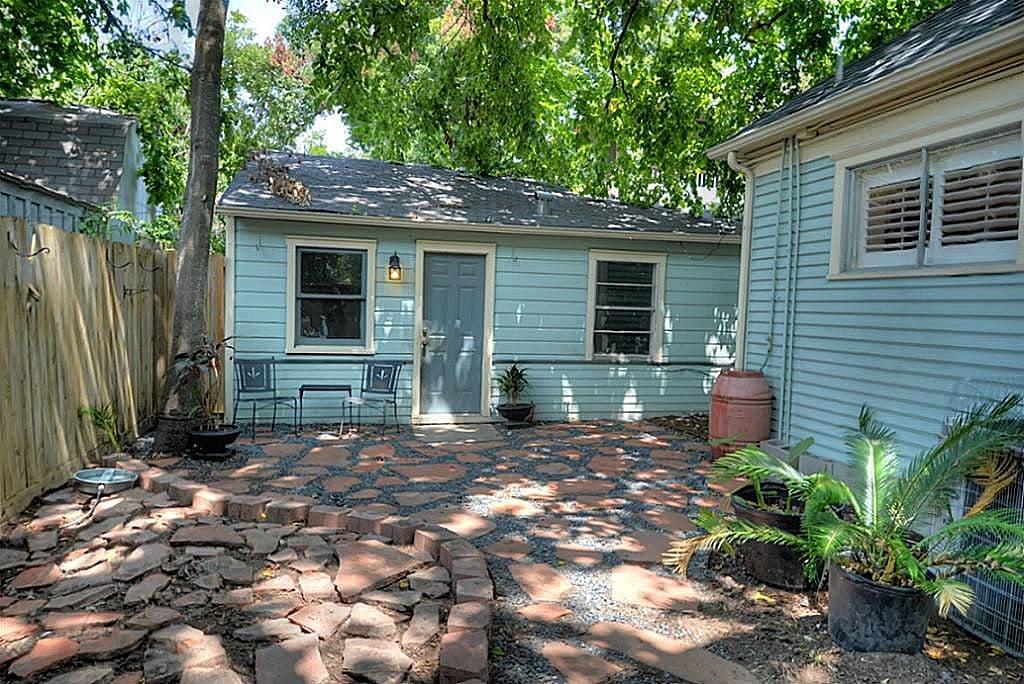 Guest Quarters 405 Woodland St Houston TX