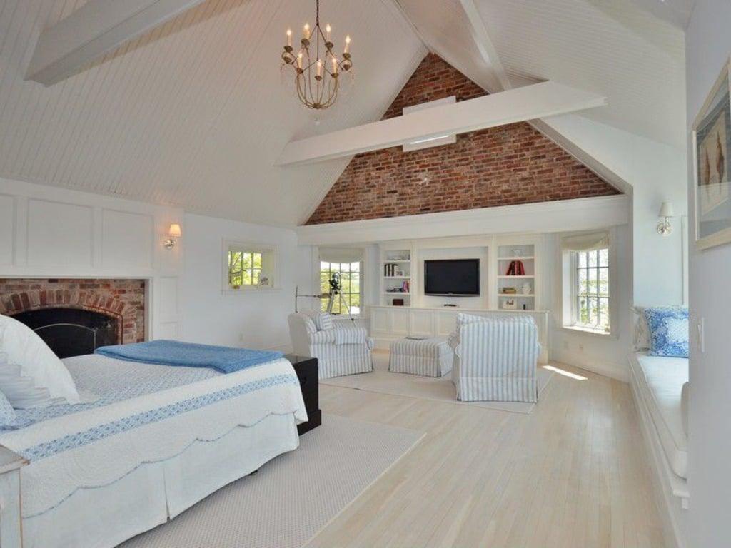 Katherine Hepburn home for sale - Bedroom