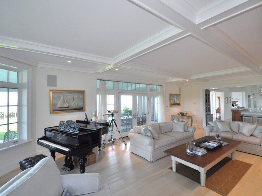 Living room - Katherine Hepburn home in Saybrook CT