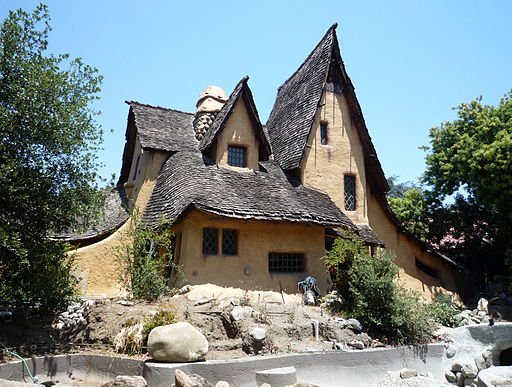 Spadena house in beverly hills a storybook witch house for Witches cottage house plans