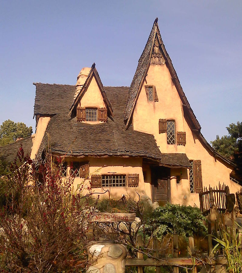 Spadena House In Beverly Hills A Storybook Witch House