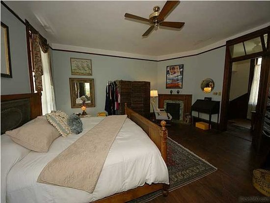 Bedroom 754 Pitt St Mt Pleasant SC
