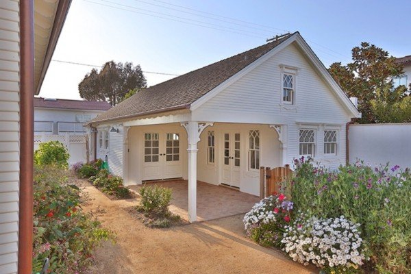 Garage - Manhattan Beach CA Farmhouse for sale