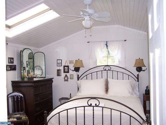 Haddonfield NJ Farmhouse Bedroom - Zillow