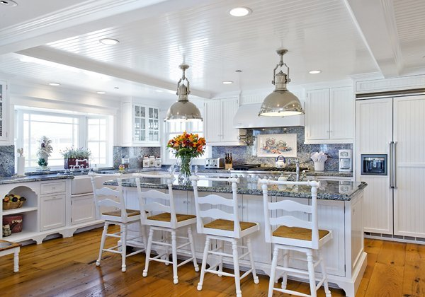 Designed by Bob Blossom - This kitchen should get an award. High bloss ceilings, extra large pendant lights. 1201 Kingston Lane Venura CA