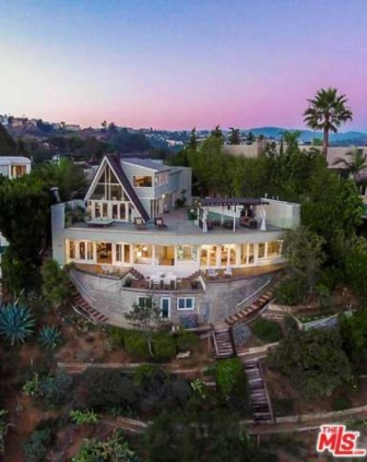 Hollywood Hills Three Layer Cake House